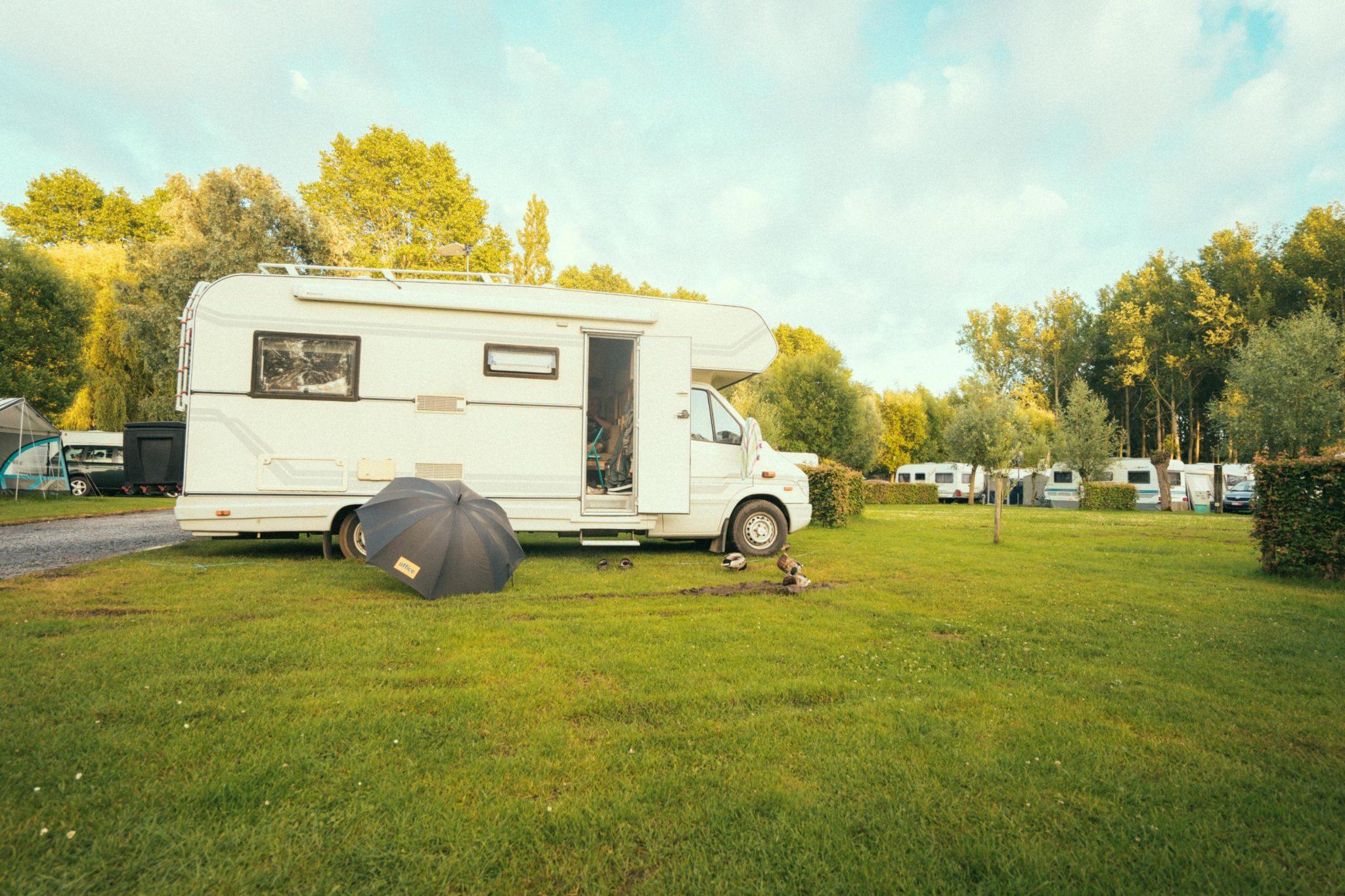Camping Groeneveld - Camper mobilehome in het groen