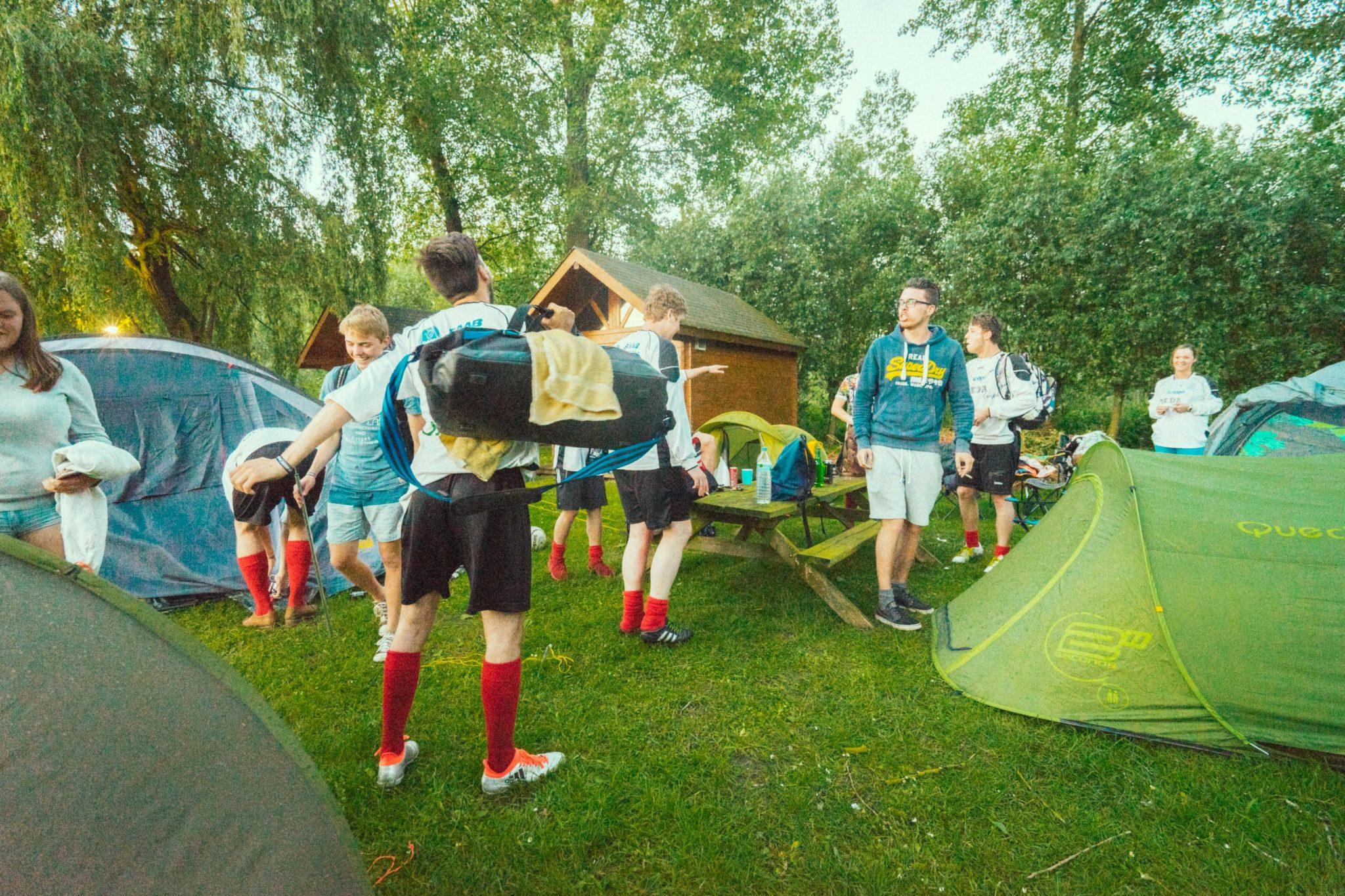 Camping Groeneveld - Kamperen met tent als groep met scouts en jongeren