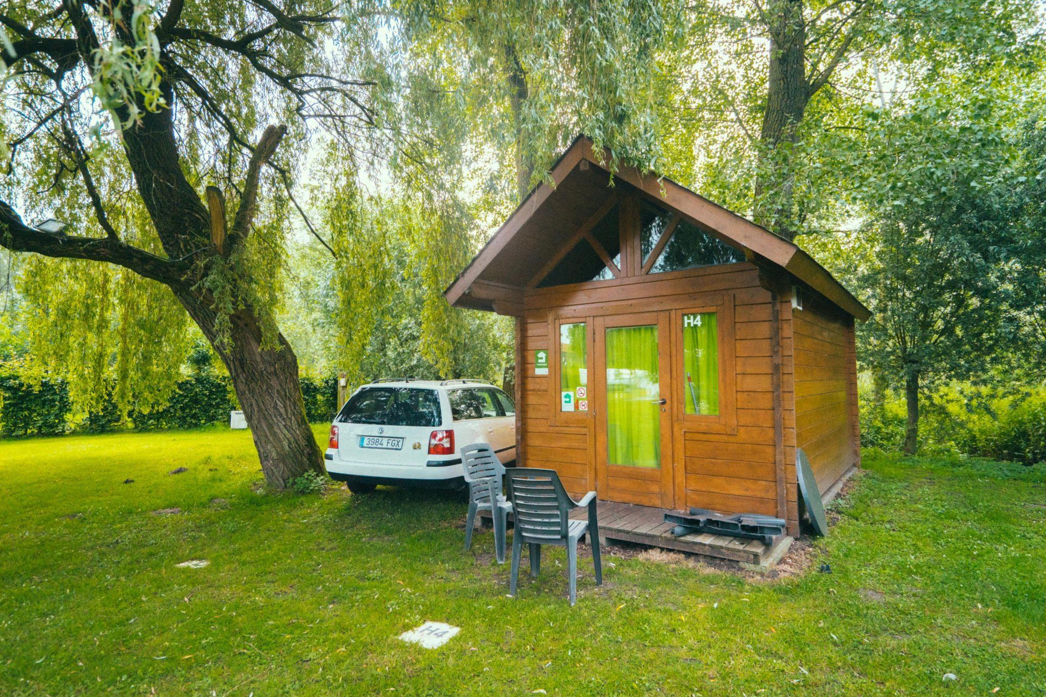 Camping Groeneveld - Verblijf in trekkershut met auto parking